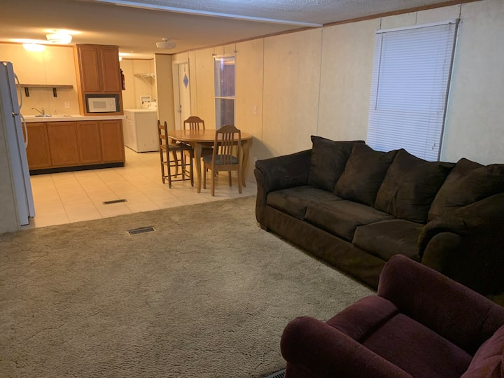 3 Bedroom Mobile Home - Good for temporary workers