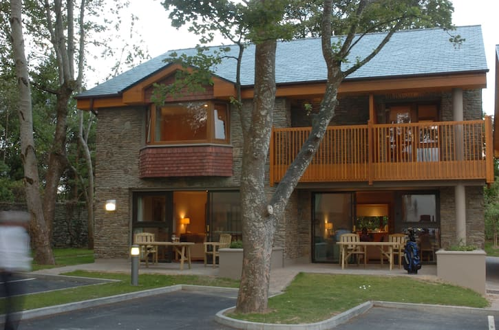 Golf Lodge