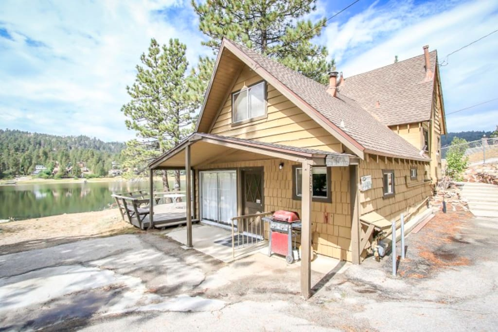 2b lakefront private boat dock cabins for rent in big for Big bear lakefront cabin rentals