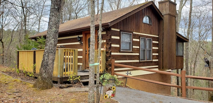 """""""Frankly Peaceful"""" Log Cabin"""