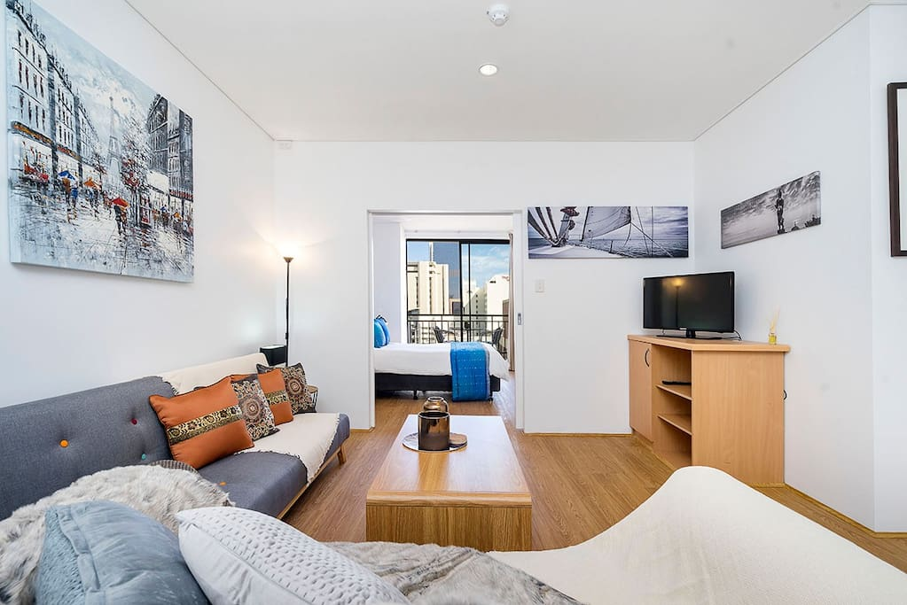 Generous room proportions that are bright and light on the 2nd highest floor.