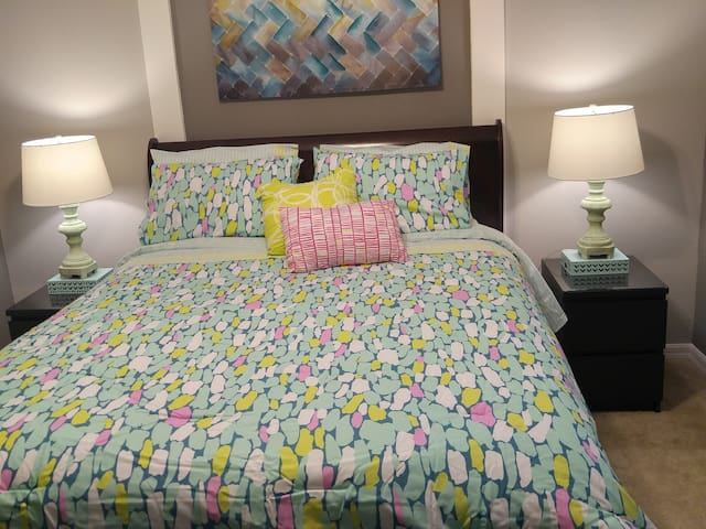Brand new n cozy bedroom ready 4U - Kissimmee