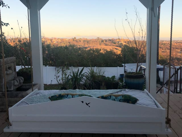 NorCal Coastal Suite/Pool/ MONTHLY RENTAL ONLY