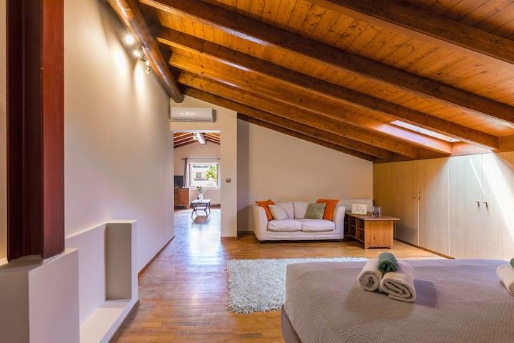 """""""Moraitis Mansion""""- Apartment with Sauna"""