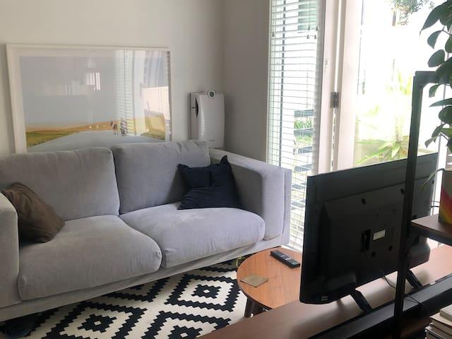 Private Stanmore Studio Apartment