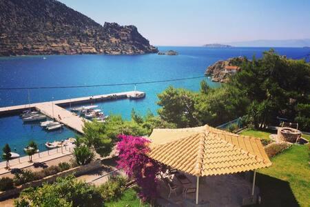 Apartment in Agios Isidoros near Delphi