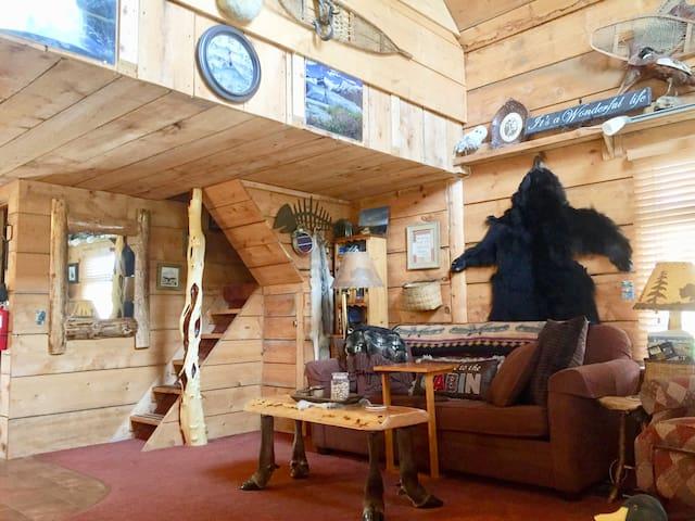 Alaskan River Edge Retreat