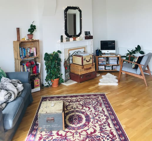 Modern Eclectic Ensuite Double Room, Worthing