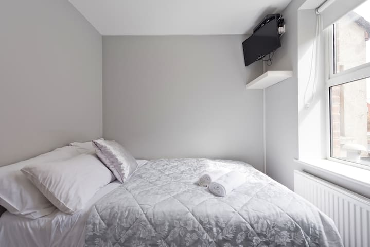 **Cosy private single room**Ballsbridge at RDS