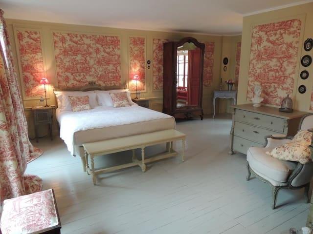 Hôtel de Guerpel - Chambre Rouge - Exmes - Guesthouse