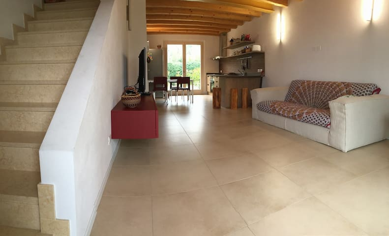 Rooms in a new house. Great view on Garda Lake - Torri del Benaco - Rumah