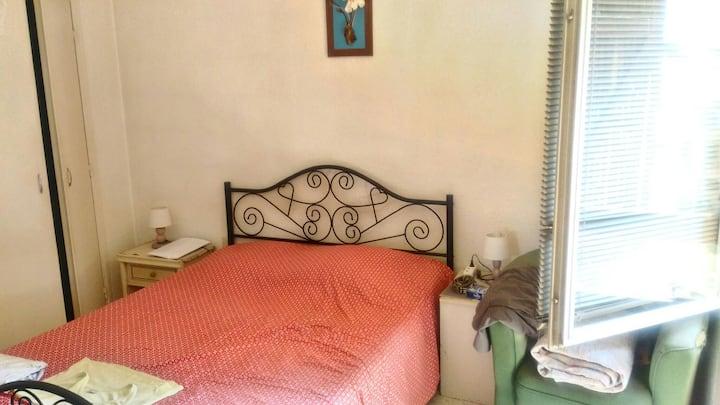 Chambre dans villa habitée