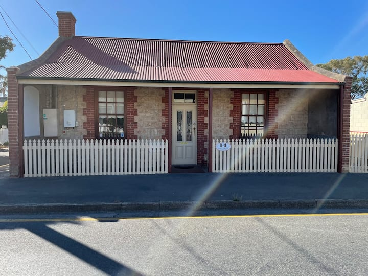 1850's Stone Cottage in the Heart of Goolwa