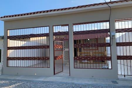 Casa de Playa completa en Urbanización privada.