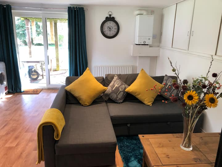 Beautiful Private Darlington Apartment with garden