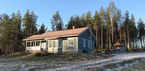 Luxurious Villa Mustikkakumpu by the lake