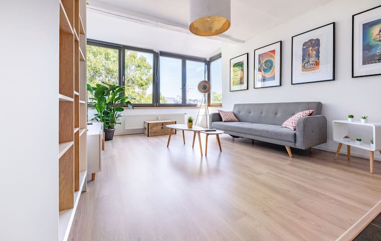 Les Cerisiers - Central Namur Apartment with 3BR