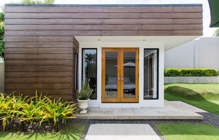 BEAUTIFUL MODERN GUEST HOUSE