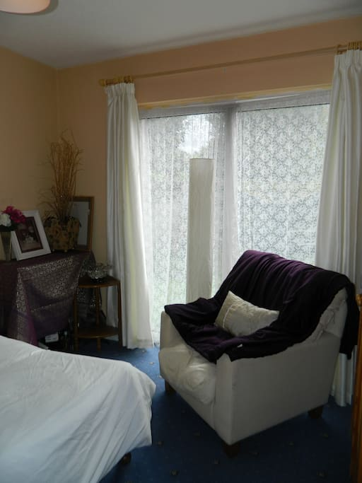 Access to garden via bedroom- lots of natural light!