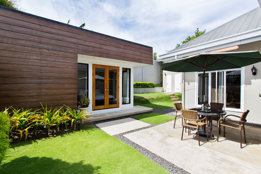 Beautiful modern guest house houses for rent in cebu for Modern house rental