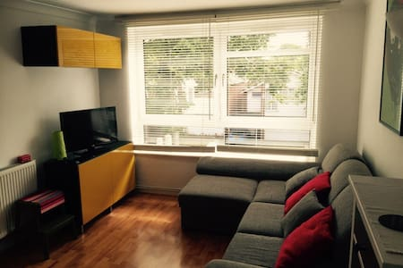 1 Bedroom Entire flat  Blackheath - London