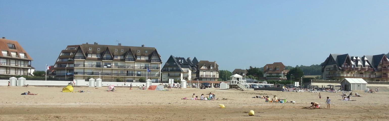 Deauville Benerville beach front