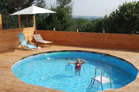 Warm house + pool - Semois Valley - Chiny - Hus