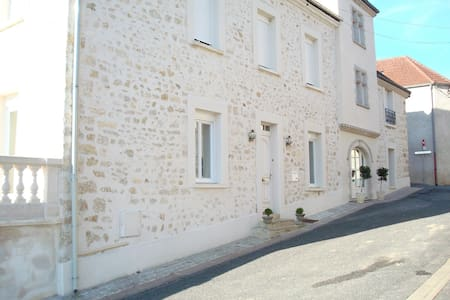 Bed & Breakfast in Champagne - Châtillon-sur-Marne