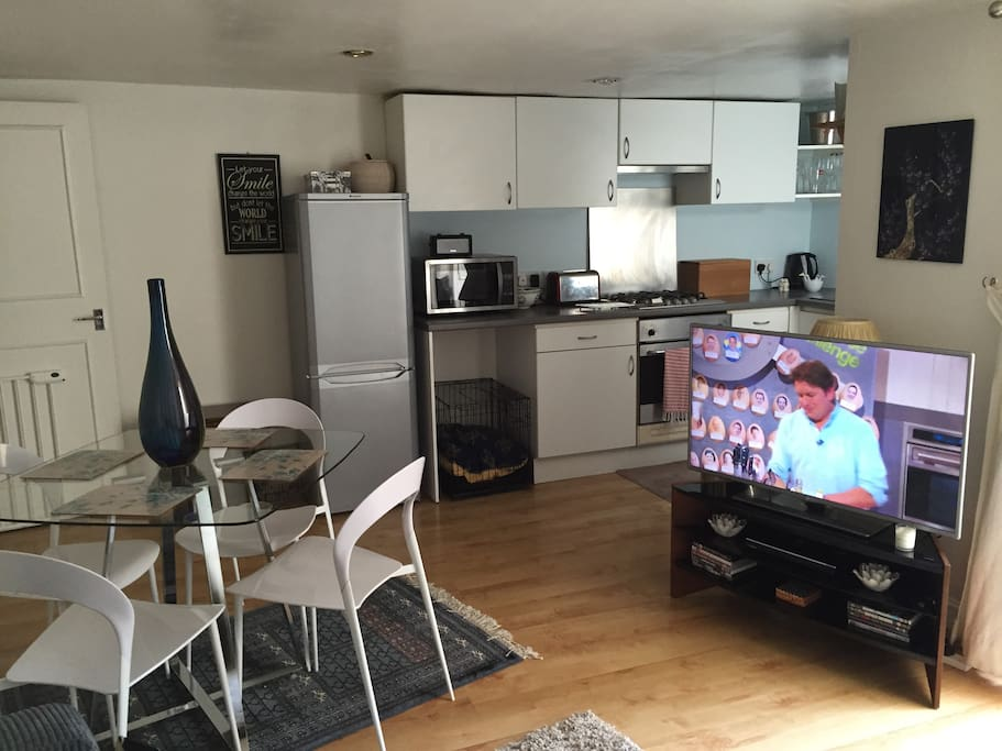 Large kitchen/dinner that leads onto the garden.