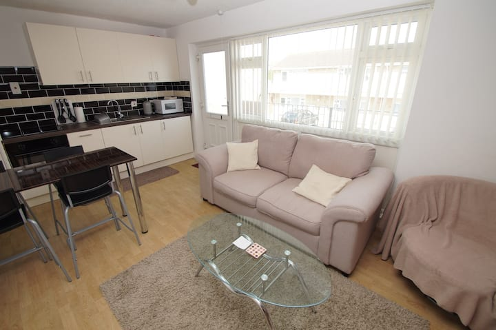 2 Bed Brean apartment w/ 7 mile beach on doorstep