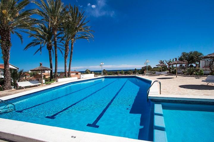 Ravissante maison avec piscine 6 personnes.