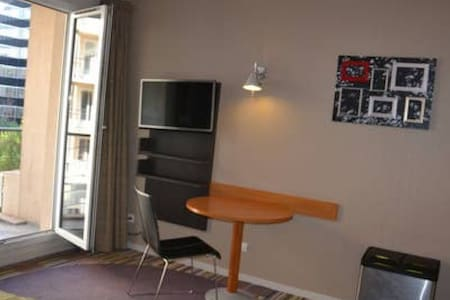 WELL EQUIPPED STUDIO - ISSY-LES-MOULINEAUX