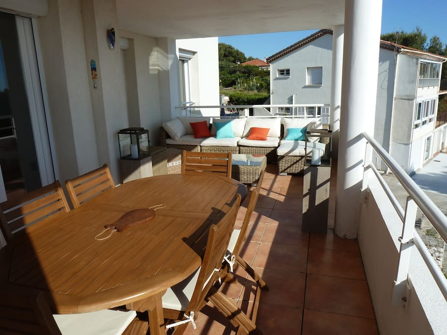 Terrasse salon et repas panoramiques