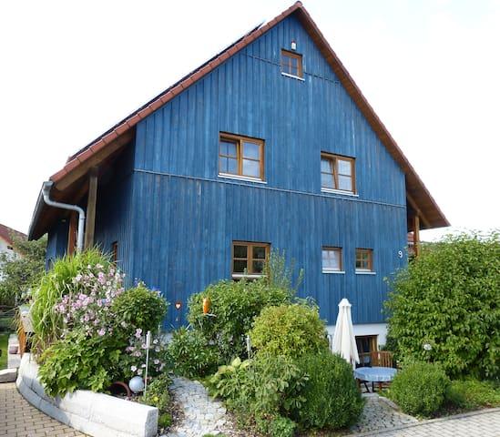 Idyllische Ferienwohnung im Grünen - Neukirchen bei Sulzbach-Rosenberg - Apartemen