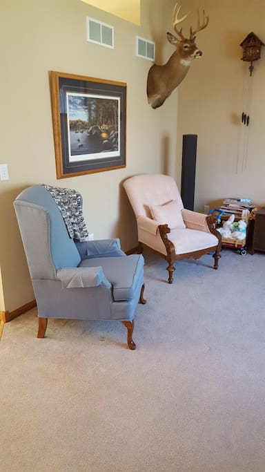 Formal shared sitting area