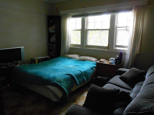 Gwynneville bedroom