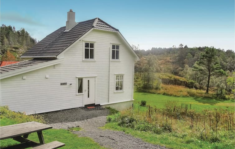 Holiday cottage with 5 bedrooms on 80m² in Flekkefjord