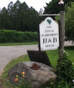 Fitchclaremont Vineyard B&B - Bozrah - Bed & Breakfast