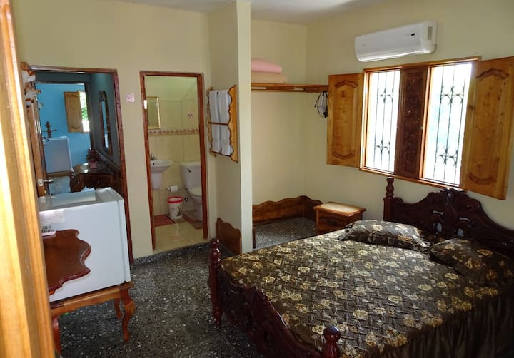 Hostal La Colonial Beige Room (Soroa)