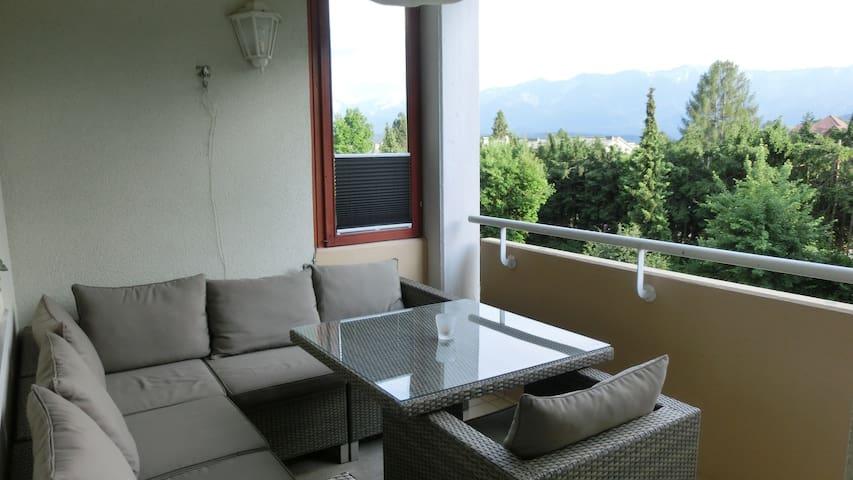 Stadtrand Wohnung mit top Ausblick - Villach - Apartamento