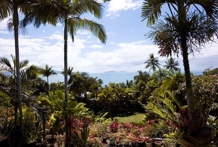Rocky Point-Secluded retreat north of Port Douglas