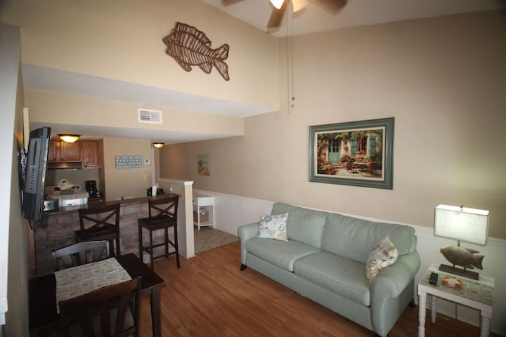Sugar Beach 322 - Amenities & Beach - Orange Beach