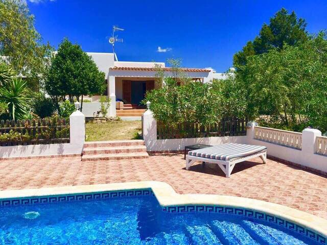 Rent rooms at Finca Can Hara Santa Gertrudis Ibiza