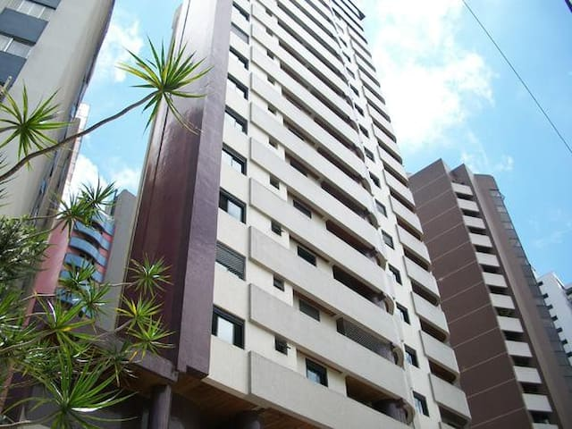 Suíte confortável (só garotas) - Curitiba - Leilighet