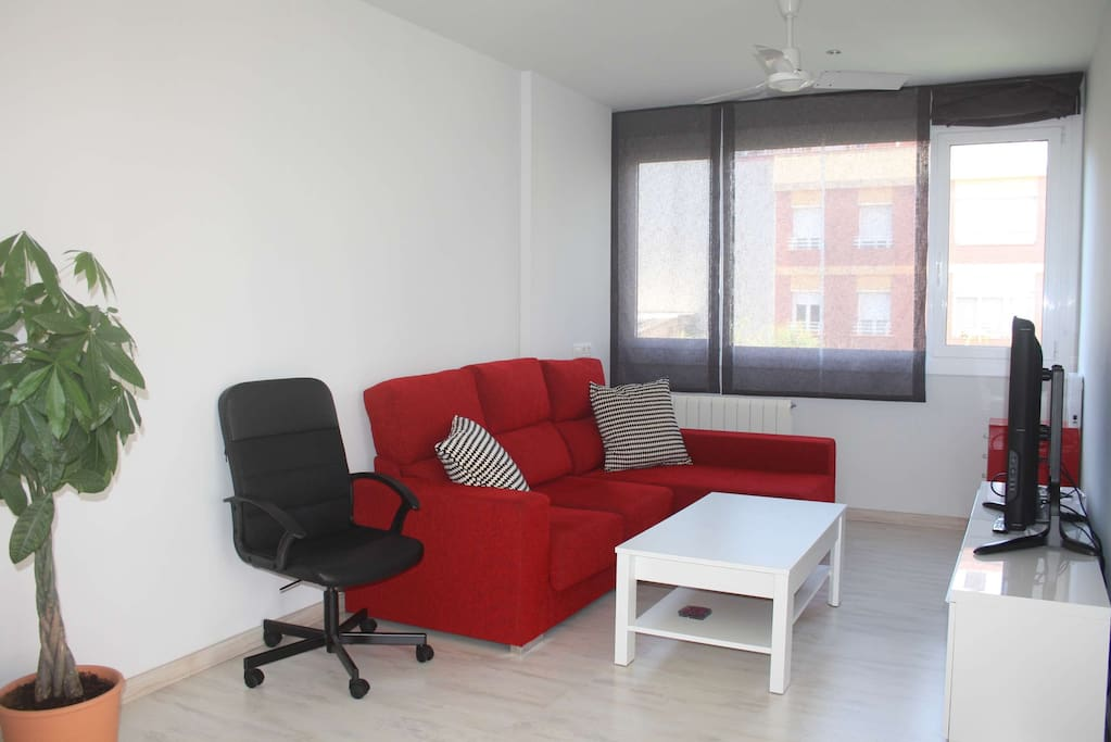 Living room (TV area)