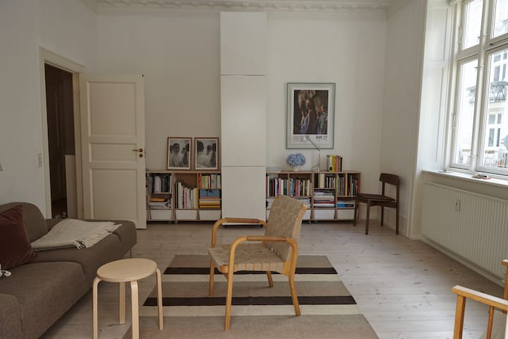 Spacious, beautiful Cph apt (short and long term)