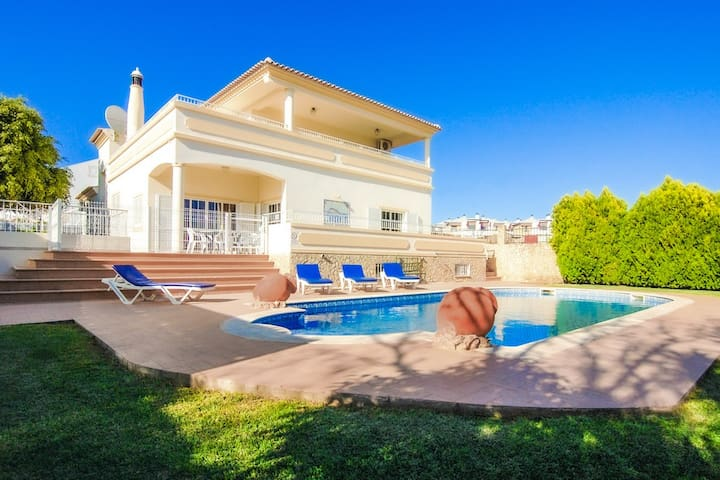 Luxury Holiday Villa Pescadinha, Albufeira n/Beach