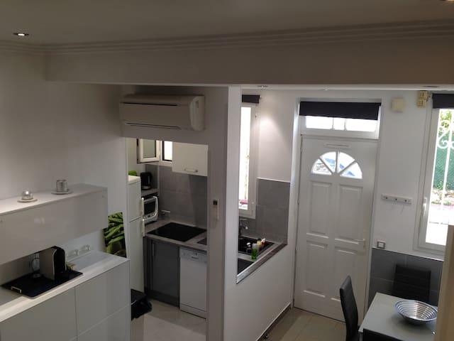 STUDIO AVEC MEZZANINE - Villefranche-sur-Mer - Apartamento