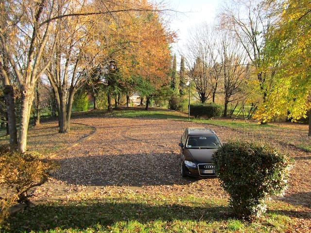 villa di 250mq e 12.000 mq parco pr - Collalto - Dům