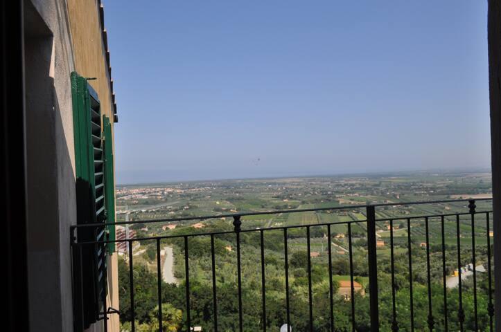 Bellissimo app. in centro storico - Castagneto Carducci - Apartamento